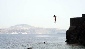 greece itinerary Ammoudi bay Cliff Jumping